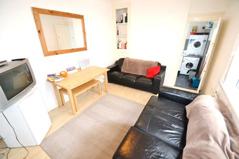 1 bedroom in a house share to rent - Rawden Place, City Centre, Cardiff