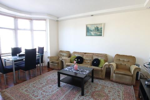 2 bedroom flat to rent - Wentworth Park, London
