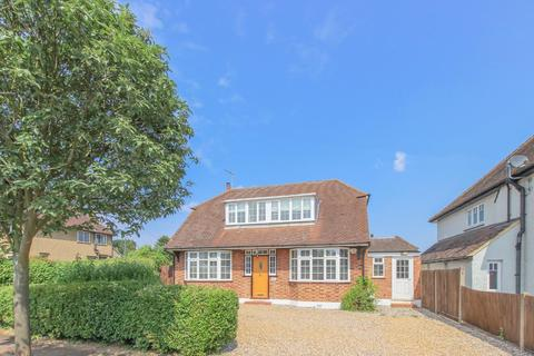 4 bedroom detached house to rent - The Drive, Hertford