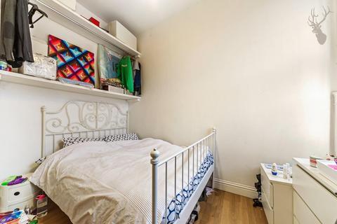 1 bedroom flat to rent - Roman Road, London
