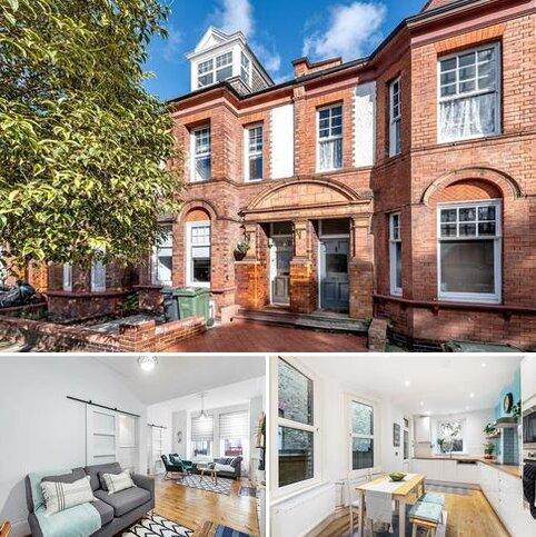 4 bedroom terraced house for sale - Amesbury Avenue London SW2