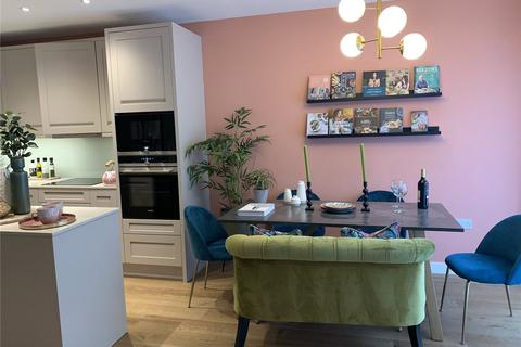 3 bedroom terraced house to rent - Thonrey Close, London, NW9