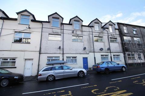 2 bedroom flat to rent - Ystrad Road, Pentre CF41 7PE