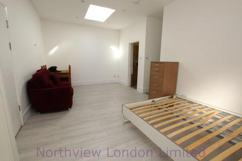 Studio to rent - Stroud Green Road, Finsbury Park, N4
