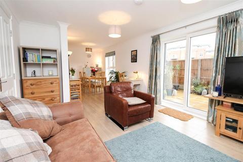 2 bedroom apartment for sale - 55 Andrews Close, Warwick, Warwickshire CV34 5GF