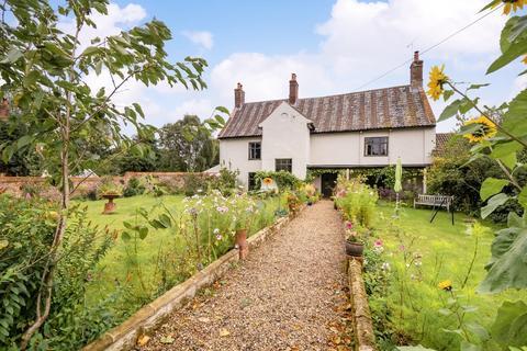 5 bedroom farm house for sale - Briston