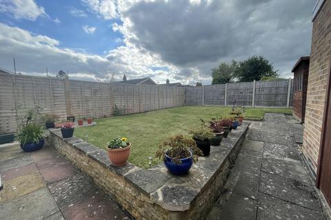 2 bedroom detached bungalow for sale - Oakham