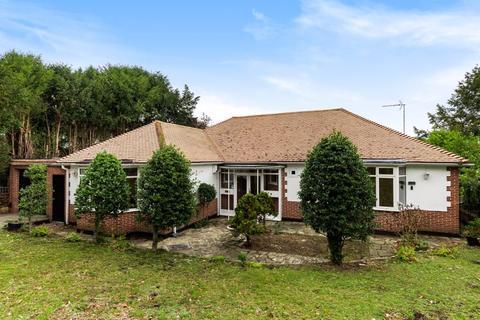 3 bedroom bungalow to rent - Box Ridge Avenue, West Purley