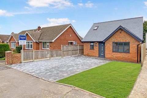 2 bedroom chalet for sale - Well Lane, Galleywood, Chelmsford, CM2