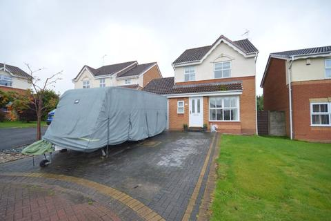3 bedroom detached house for sale - Cornforth Way, Widnes