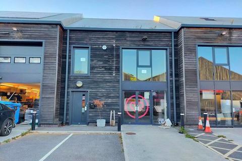 Office to rent - Webbers Way, Totnes