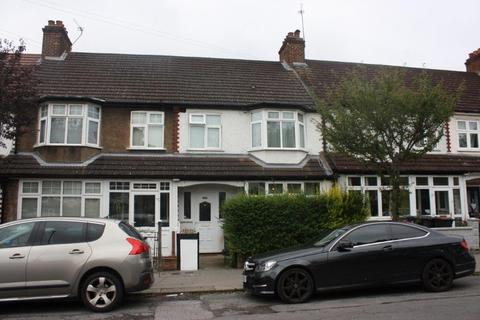 3 bedroom terraced house to rent - Hambrook Road, London