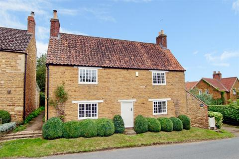 3 bedroom detached house for sale - Main Street, Denton, Grantham