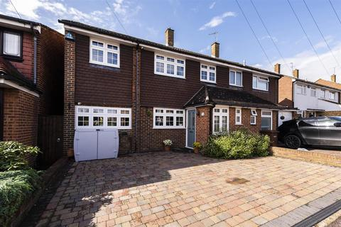 5 bedroom semi-detached house for sale - Kingshill Drive, Hoo, Rochester