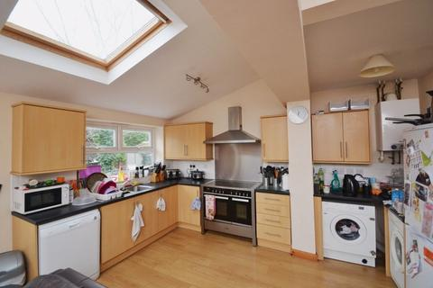 5 bedroom house to rent - Ednaston Road, NG7 - UON