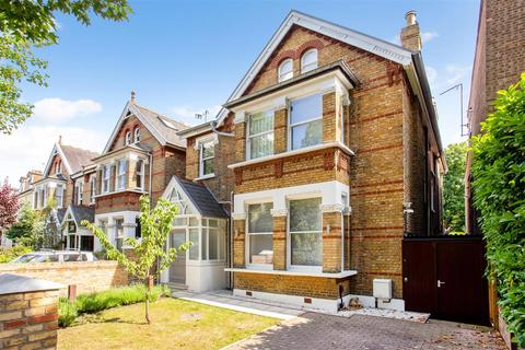 5 bedroom detached house to rent - Grosvenor Road, London, W4