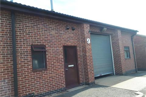 Industrial unit to rent - Unit 9, Turnpike Industrial Estate, The Turnpike, Grantham, Lincolnshire, NG31 7DF