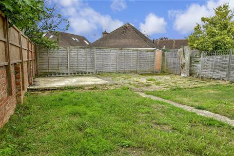 2 bedroom detached bungalow for sale - Brook Barn Way, Goring-By-Sea, Worthing, West Sussex