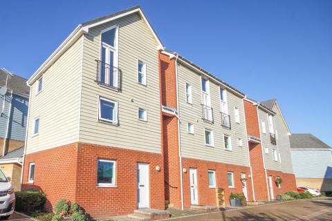 2 bedroom apartment for sale - Onyx Drive, Sittingbourne