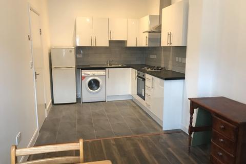 1 bedroom apartment to rent - Junction Road, London N19