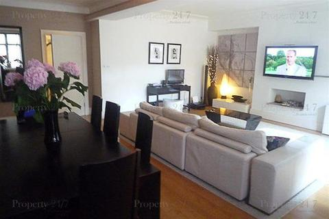 3 bedroom apartment to rent - Portland Place