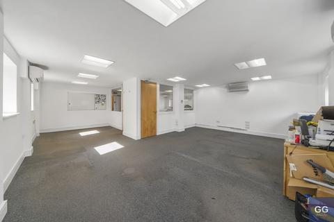 Office to rent - Leman Street, London, E1