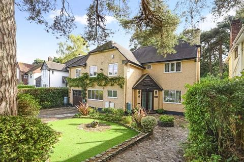 5 bedroom detached house for sale - Howard Road, Queens Park, BH8