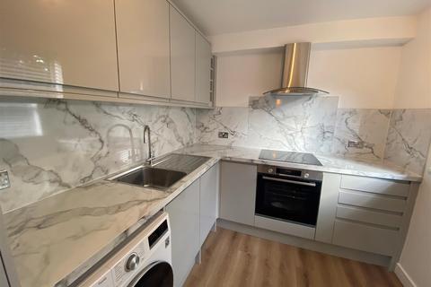 1 bedroom apartment to rent - Marlowe Gardens, London