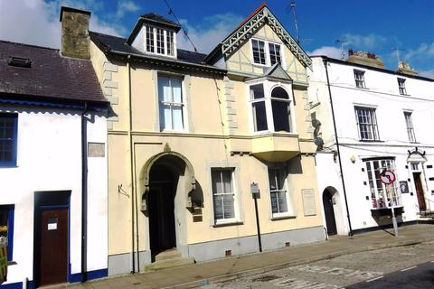 3 bedroom terraced house for sale - Castle Street, Beaumaris, Anglesey