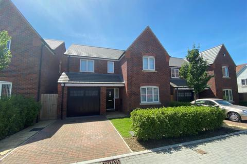 4 bedroom detached house for sale - Red Kite Rise, Hardwicke, Gloucester