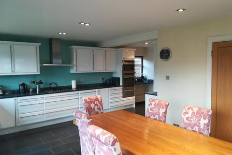 5 bedroom detached house to rent - Cranston Park Avenue, Upminster