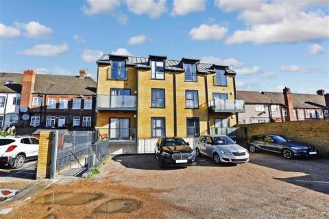 2 bedroom flat for sale - Bellegrove Road, Welling, Kent