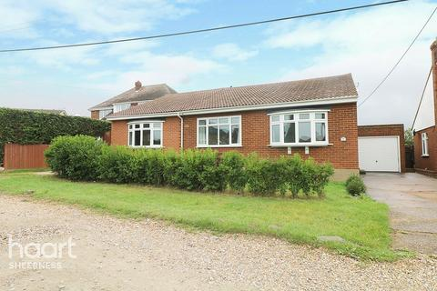 4 bedroom bungalow for sale - Augustine Road, Sheerness