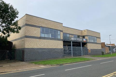 Property to rent - West Point,  Durham Road, Laindon, Basildon