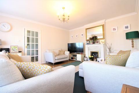 4 bedroom terraced house to rent - Shillitoe Avenue, Potters Bar