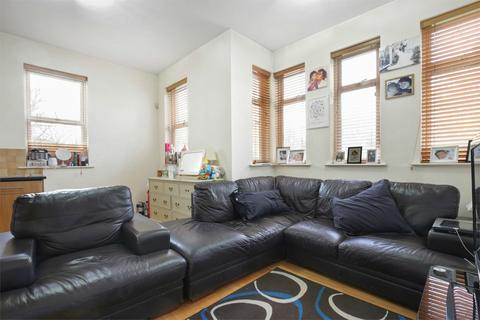 2 bedroom flat to rent - The Vale, Acton, London, W3