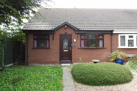 2 bedroom semi-detached bungalow to rent - The Paddocks, Kessingland, Lowestoft