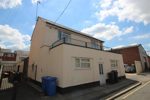 8 bedroom house share to rent - Great Northern Road, Derby