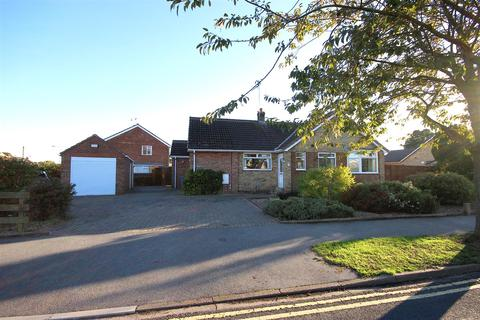 3 bedroom detached bungalow for sale - Molescroft Park, Beverley
