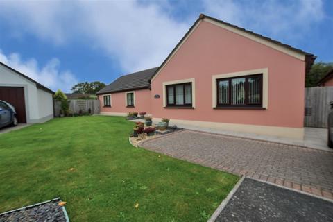 4 bedroom detached bungalow for sale - Grove Gardens, Pembroke