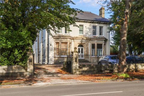 2 bedroom flat to rent - Lansdown GL50 2LR