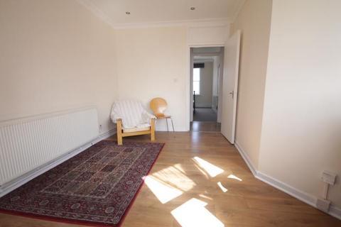 3 bedroom apartment to rent - Newington Green, London