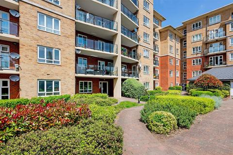 3 bedroom apartment to rent - Glebelands Close, Finchley, London