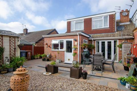 4 bedroom semi-detached bungalow for sale - Sprowston, NR7