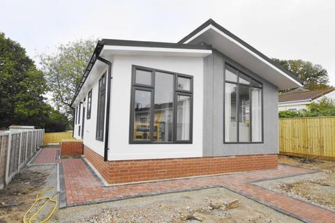 2 bedroom park home for sale - Waterloo Road Corfe Mullen BH21 3SP