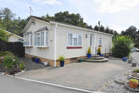 2 bedroom park home for sale - Oaktree Park St Leonard's, Ringwood BH24 2RH