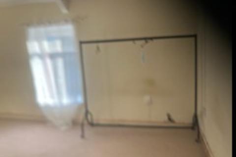 3 bedroom flat to rent - Neath Road, Landore SA1