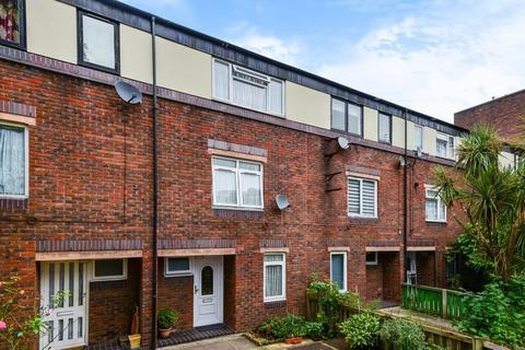 3 bedroom terraced house for sale - Crofts Street, London E1 8LU