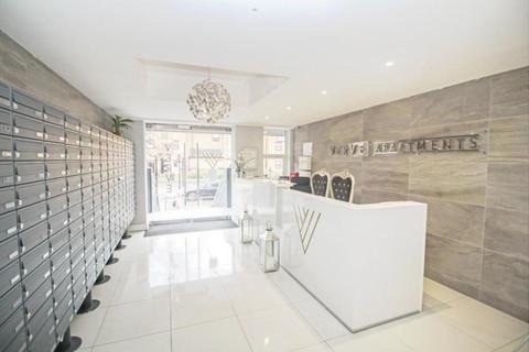 2 bedroom apartment to rent - Mercury Gardens, Romford, RM1