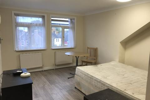 Studio to rent - BlackBoy Lane, Turnpike Lane / Tottenham N15